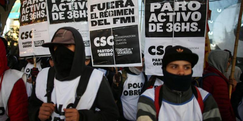 Trabalhadores paralisam Argentina com grande greve contra Macri