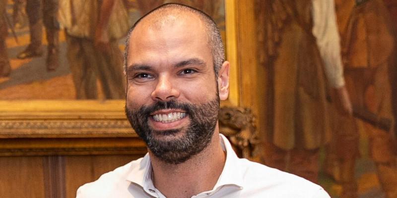 Bruno Covas tira de servidores para investir em reeleição