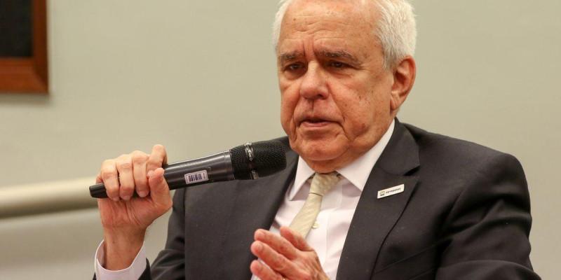 Petrobras está sendo desmontada, presidente da estatal nega