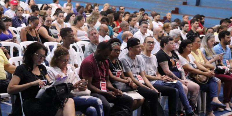 Servidores exigem pagamento imediato de abono emergencial pela Prefeitura de SP