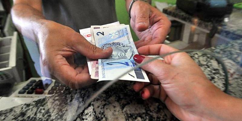 Percentual de famílias com dívidas subiu para 65,1% em novembro