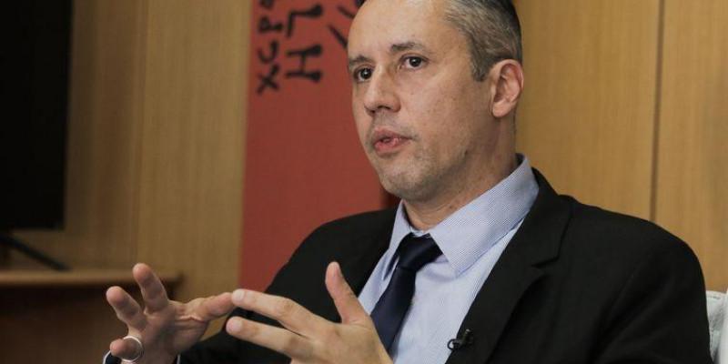 Bolsonaro é forçado a demitir primeiro suposto nazista do governo