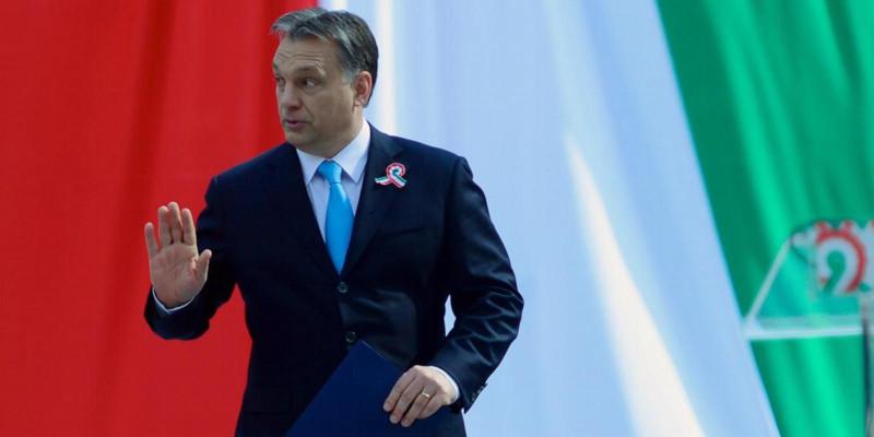 Direita torna a Hungria uma ditadura