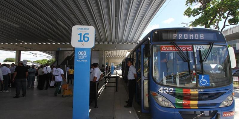 Empresas de ônibus da região metropolitana de Recife tem de readmitir trabalhadores