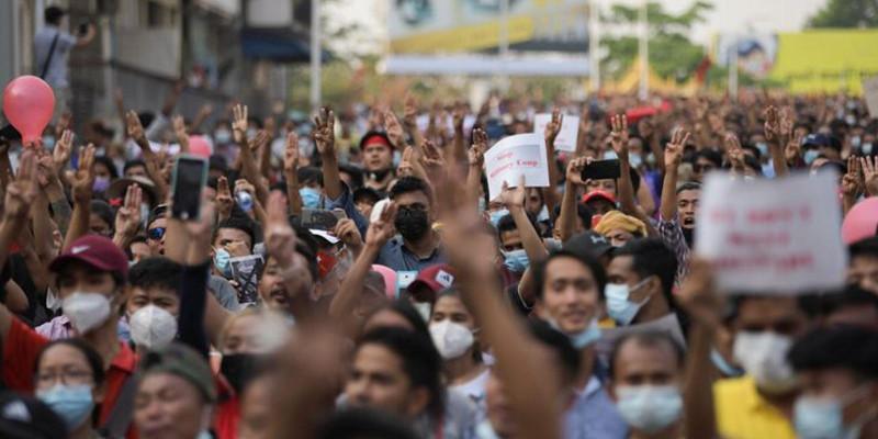 Funcionários públicos lideram movimento de desobediência