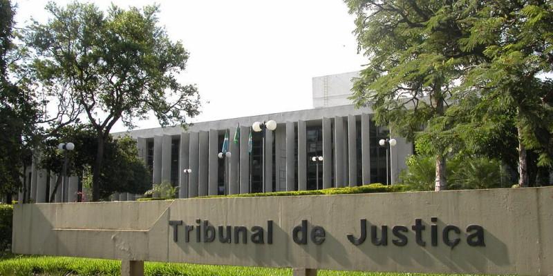 Advogados querem punir servidores com até 30 dias de suspensão