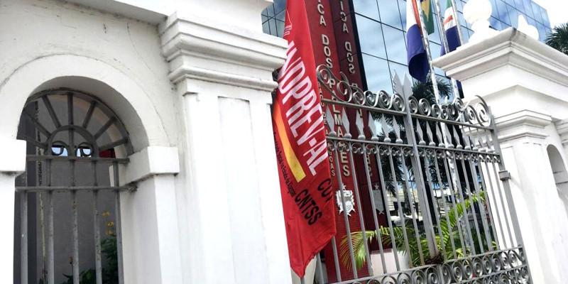 Governo sanciona 4,52%de reajuste para servidores