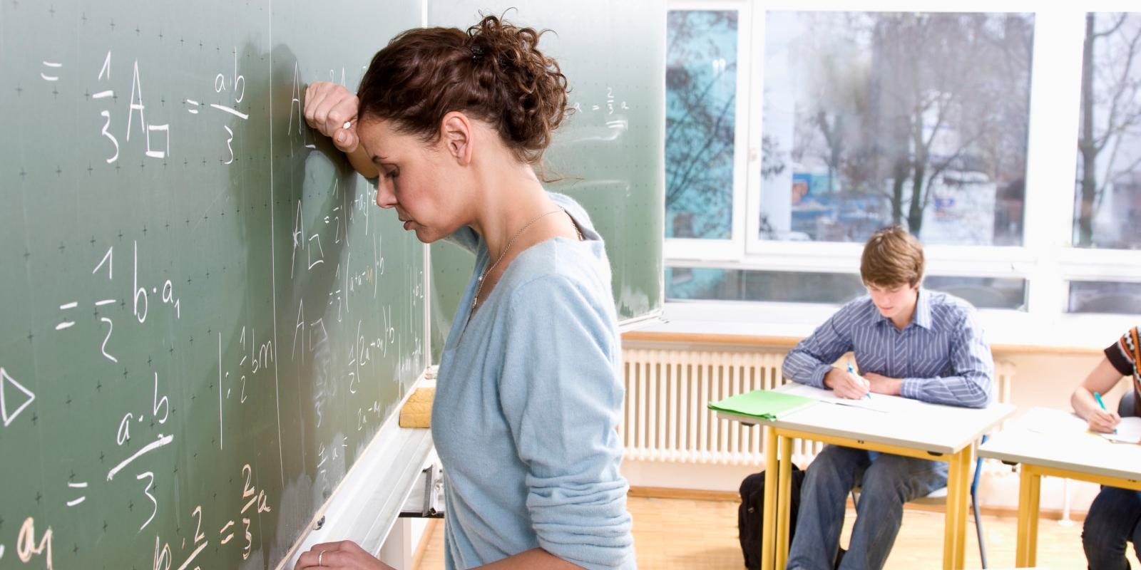 Dória dá 3,71% de reajuste para professores