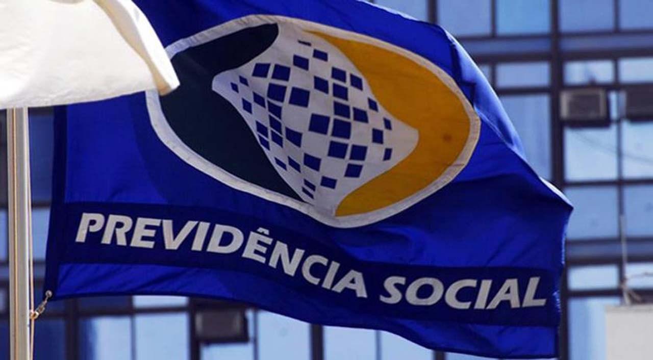 Bolsonaro deve aumentar alíquota para servidores públicos