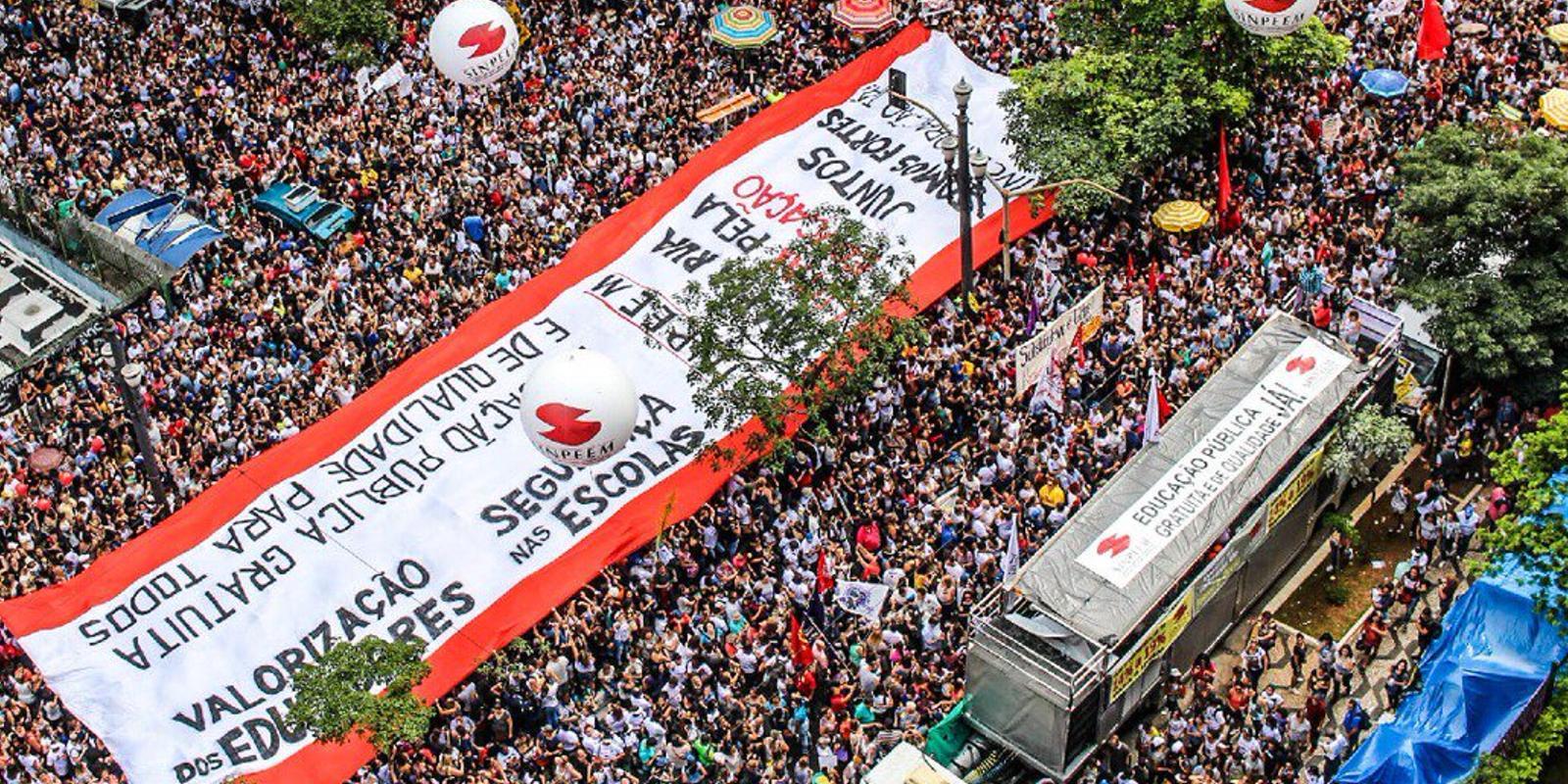 Capital de SP à beira da greve geral