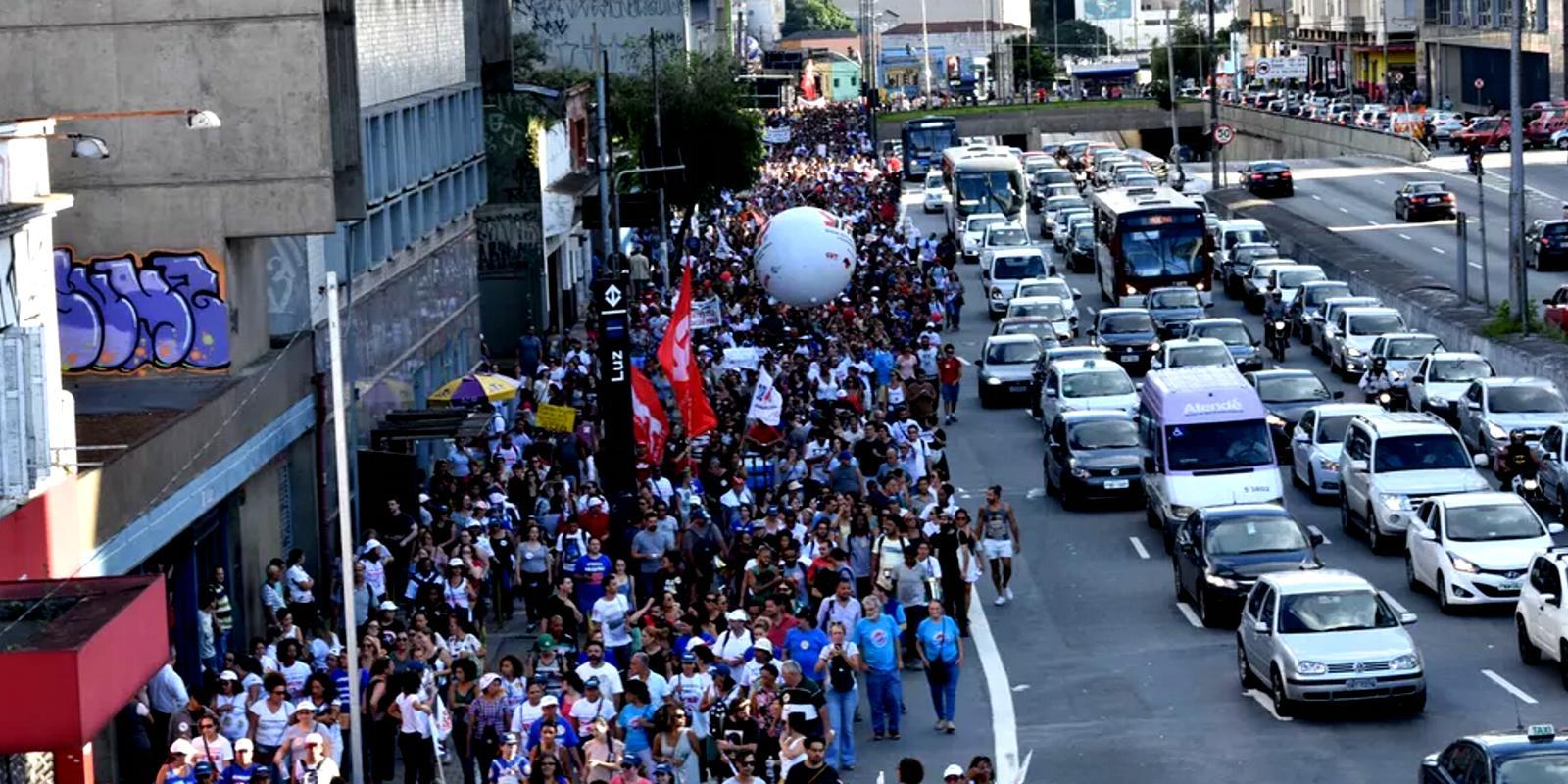 Bruno Covas ignora servidores e greve continua