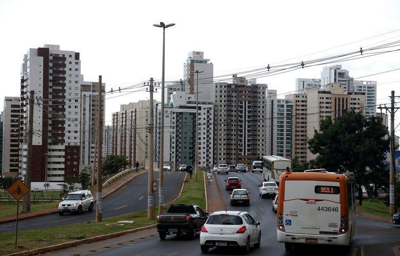 Crise econômica deixa brasileiro distante da casa própria
