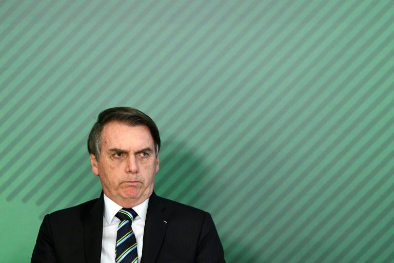 Governo publica lei que anistia multas de partidos políticos
