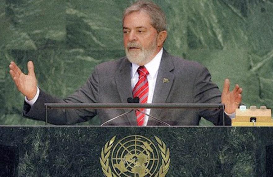 Defesa de Lula diz que conversas de Moro demonstram sua suspeição