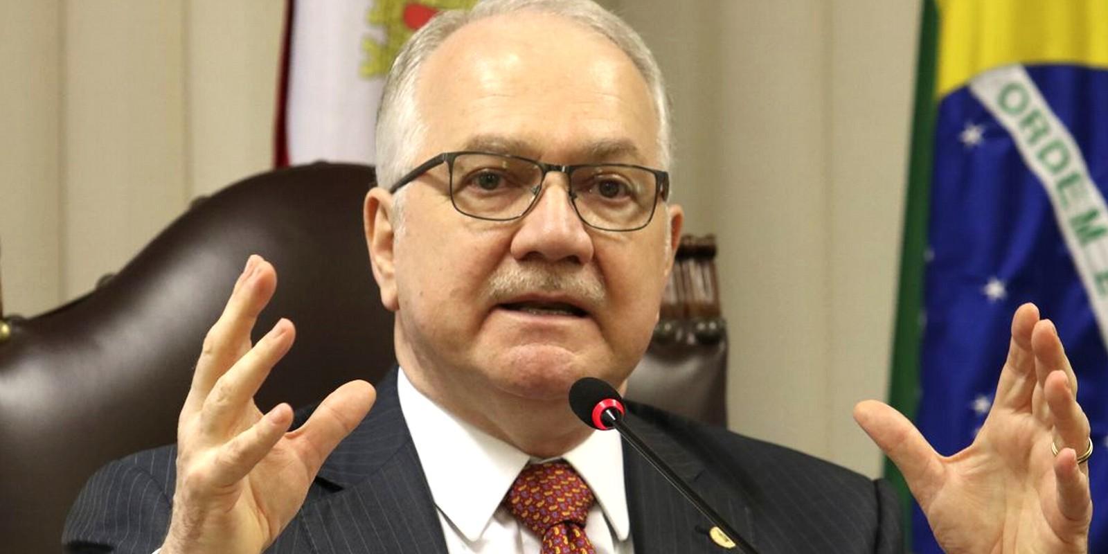 Fachin vota por receber denúncia, tornar réu e afastar ministro do TCU