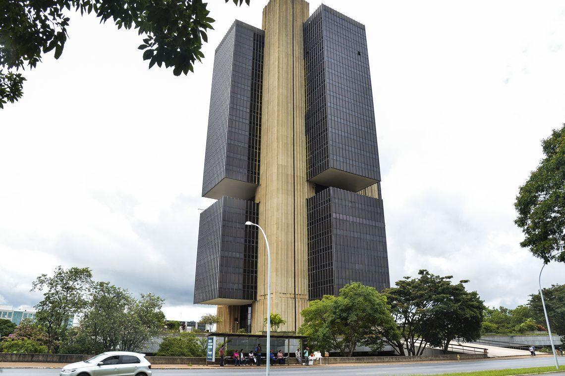 Bancos Pan, BMG e Banrisul lideram ranking de reclamações ao BC