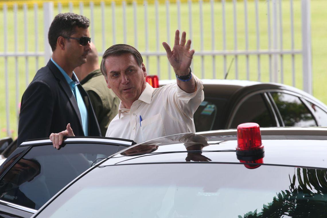 """Fundo Eleitoral: """"Tem de preparar a opinião pública"""", diz Bolsonaro"""