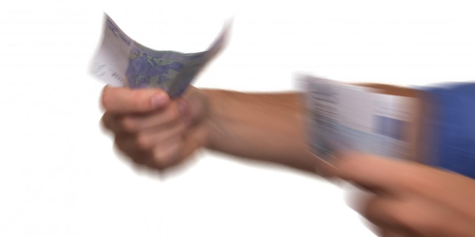 Bancos privados vão cobrar empréstimos consignados de aposentados e servidores