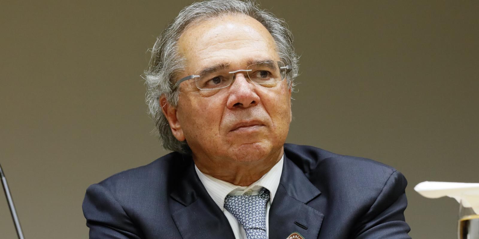 Guedes afirma que servidores estaduais e municipais não podem saquear o Brasil